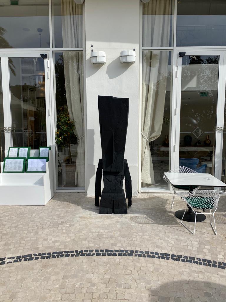 Hatchikian-gallery-Steph-Cop-Hotel-Martinez-Cannes-Black-Raw-1
