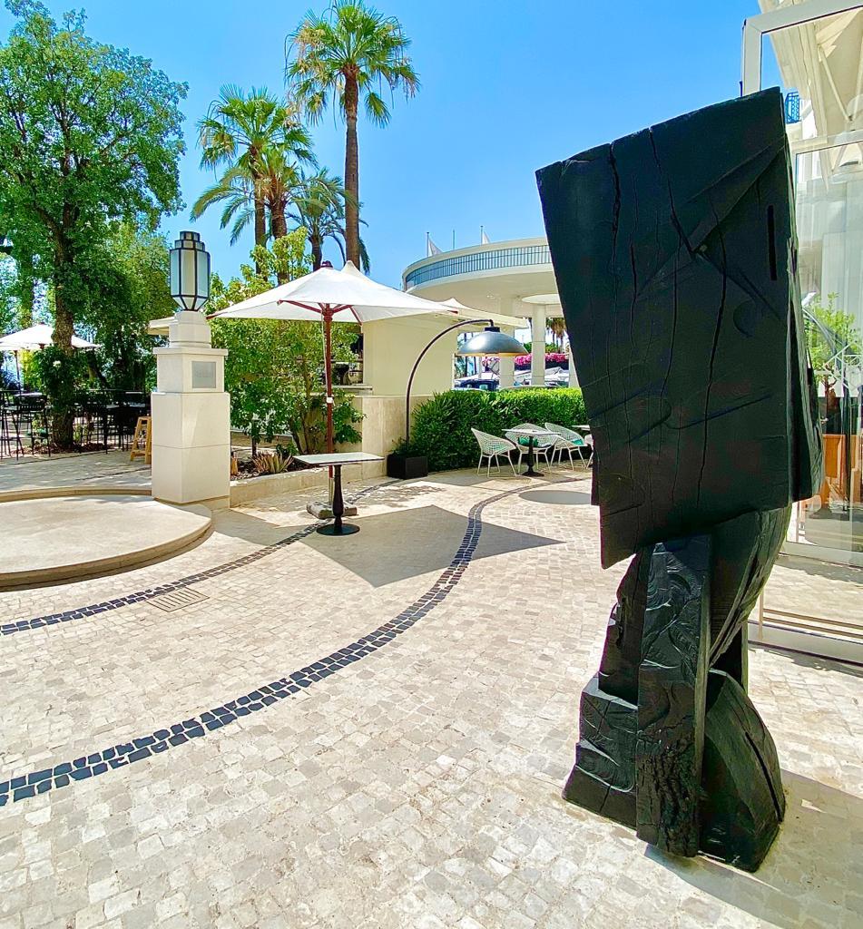 Hatchikian-gallery-Steph-Cop-Hotel-Martinez-Cannes-Black-Raw-17